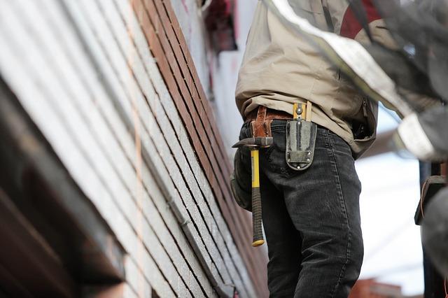 construction worker 569149 640, Anne Arundel County, Johnson Lumber